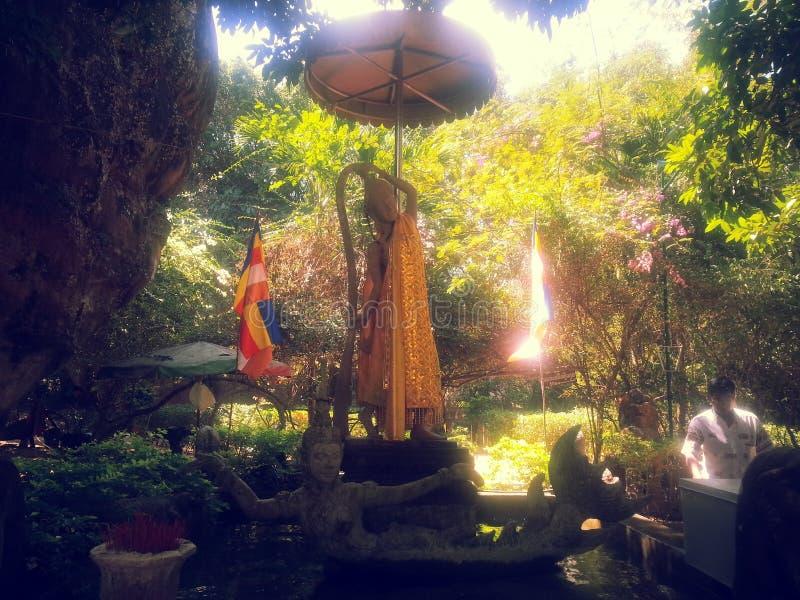 在Phnom Kulen国家公园的Phra Mae Thorani雕象 库存照片
