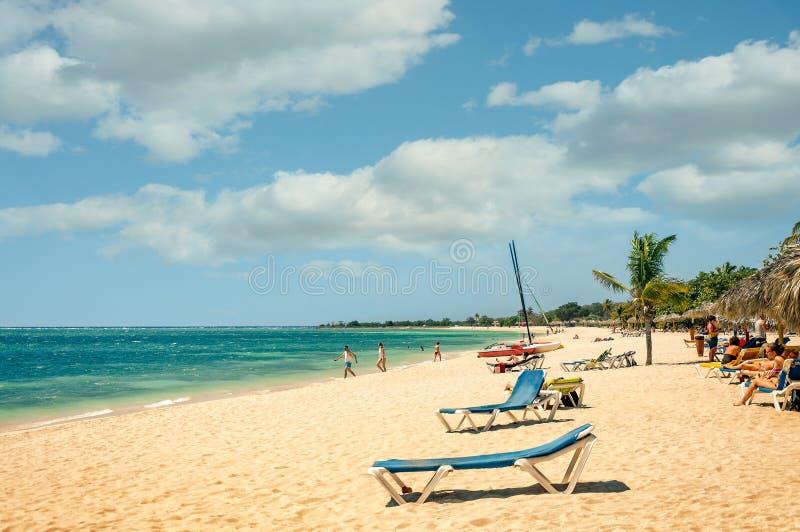 在Playa肘在Caribbeans,古巴的美丽的热带海滩 免版税库存图片