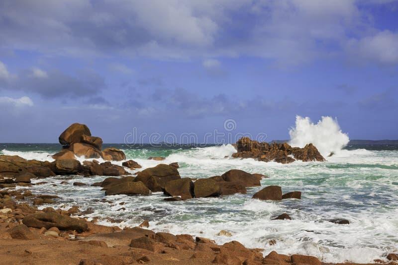 在Ploumanach的布里坦尼海岸 免版税库存图片