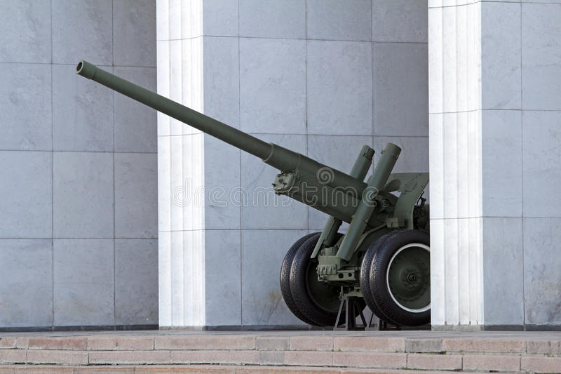 在Poklonnaya小山的大炮 免版税库存照片