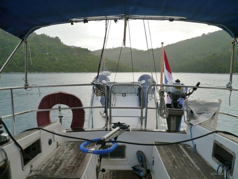 在Polace克罗地亚海湾的大雨  库存照片