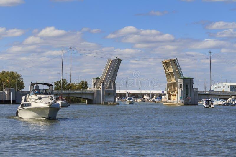 在Portage河的吊桥 库存图片
