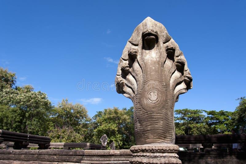 在Prasat Hin Phimai历史公园的纳卡人雕象 库存照片