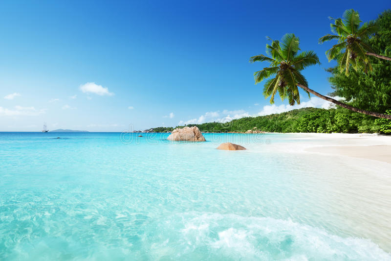 在Praslin海岛的Anse拉齐奥海滩 图库摄影