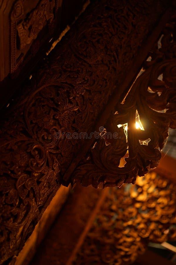 在Prommitr摄制的电影厂创造的缅甸传统柱子 库存照片