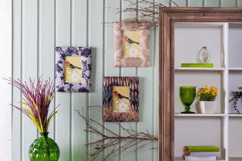 在Provencal样式的内部:家具和装饰 免版税库存图片