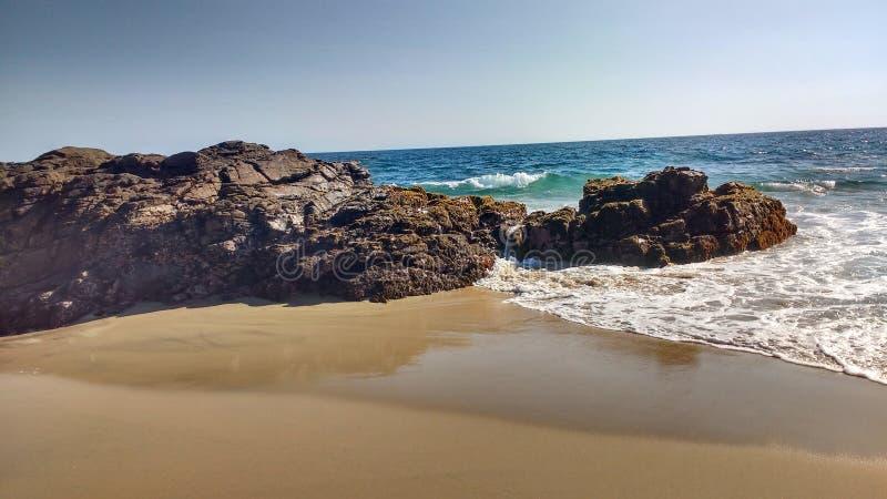 在puerto escondido的瓦哈卡海滩 免版税库存照片