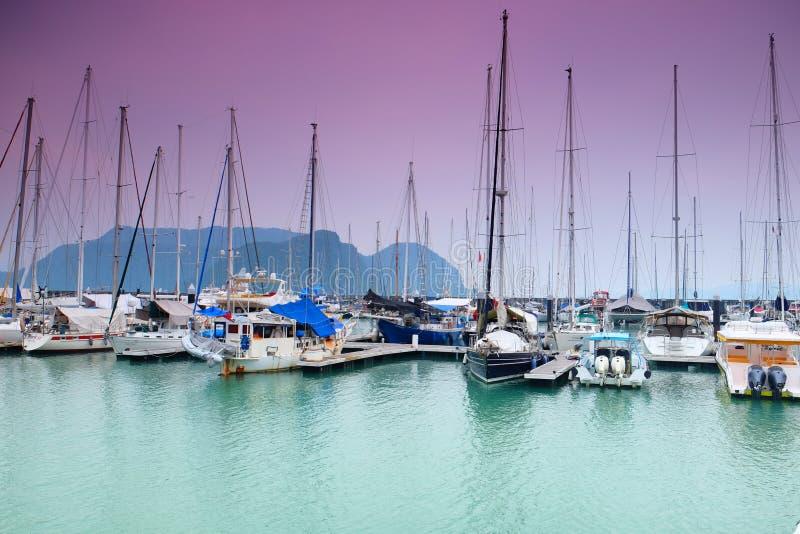 在Pulau Rebak凌家卫岛的私有yatch 库存图片