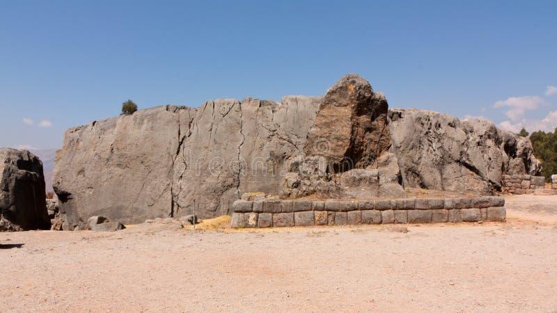 在Qenqo的印加人废墟,在库斯科上,秘鲁 免版税库存图片