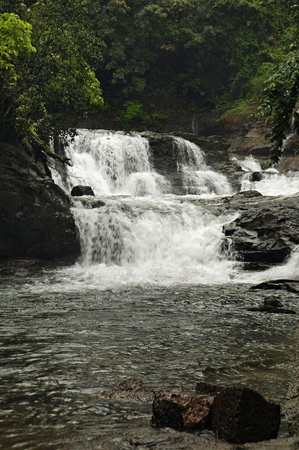 在rajapur taluka, Dist拉特纳吉里,印度的瀑布 库存照片