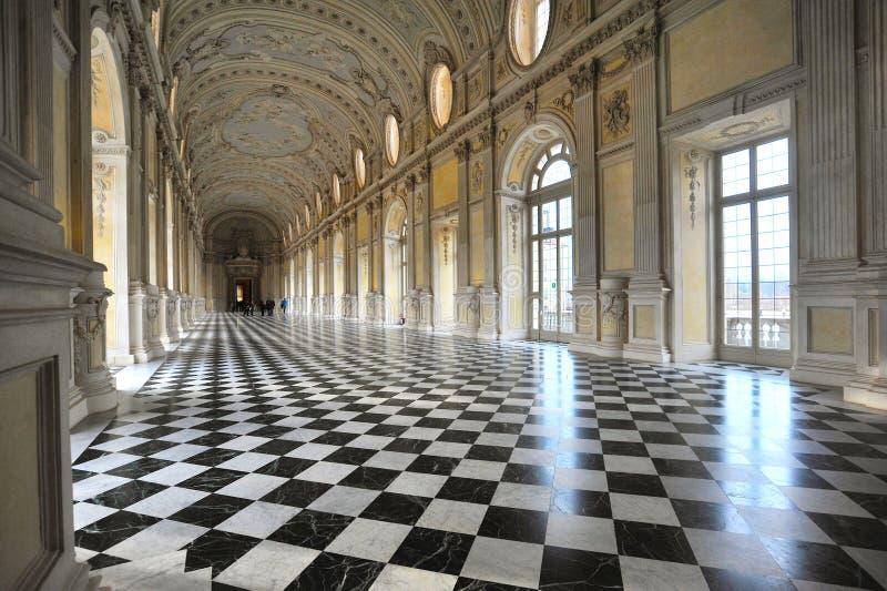 在Reggia二韦纳里亚雷亚莱的伟大的画廊由联合国科教文组织巨大的王宫Venaria意大利宣称世界遗产名录站点 免版税库存图片