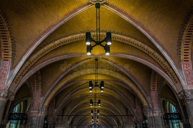 在Rijksmuseum下的隧道 免版税库存图片