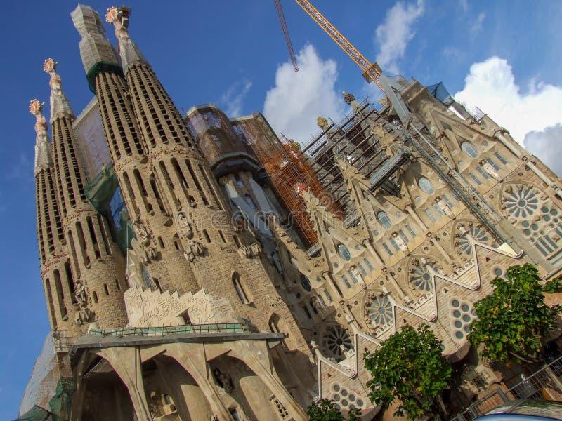 在Sagrada Familia大教堂的全视图在巴塞罗那 免版税库存照片