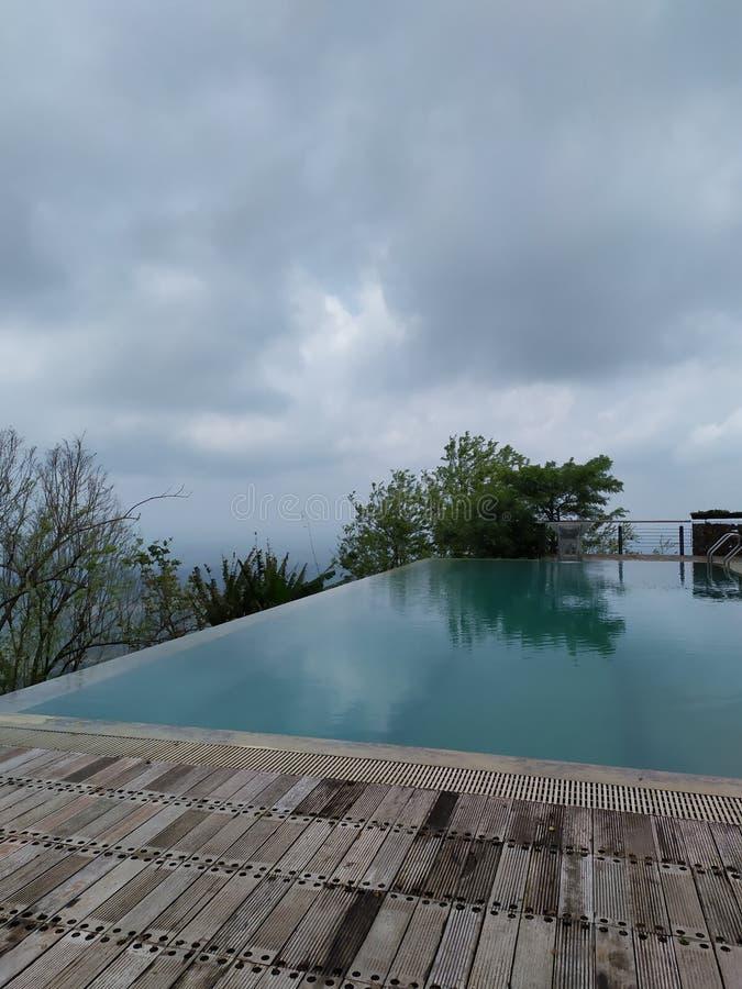 在Sairu山的上面的水池 库存图片
