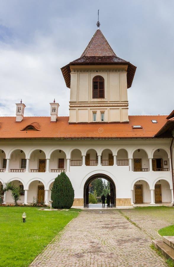 在Sambata de Sus入Brancoveanu修道院的塔 免版税库存图片