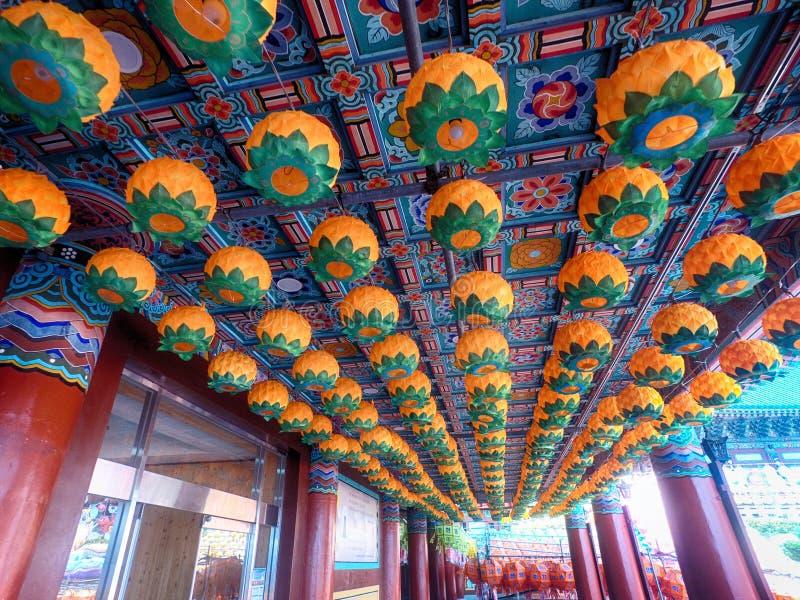 在Samgwangsa寺庙,釜山,韩国,亚洲的莲花灯节 库存图片