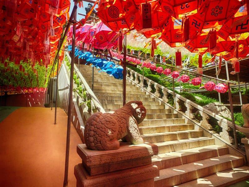 在Samgwangsa寺庙,釜山,韩国,亚洲的莲花灯节 库存照片