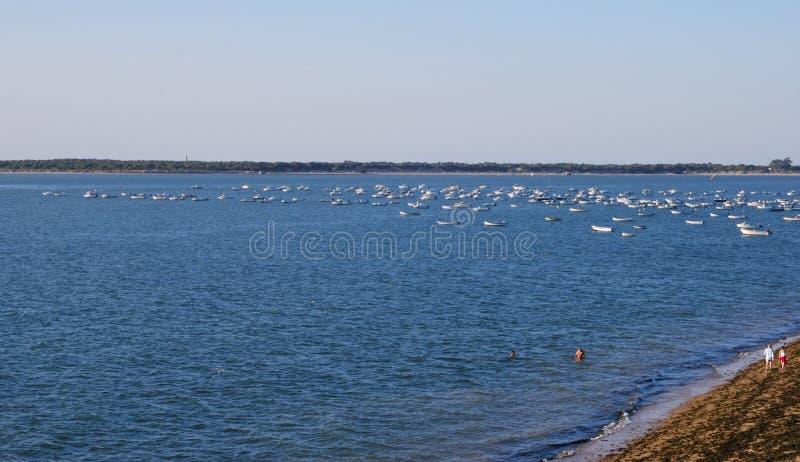 在Sanlucar海滩,西班牙的小船 图库摄影