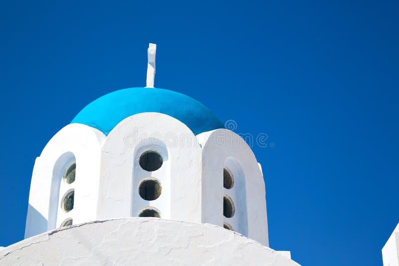 Download 在santorini希腊的白色十字架 库存图片. 图片 包括有 干净, 海岛, 圆顶, cyclades - 62537363