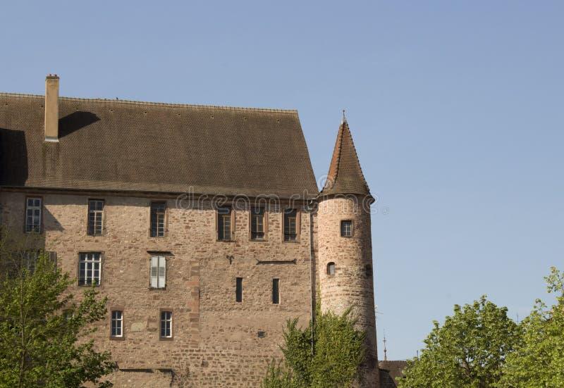在saverne,法国的一座大被隔绝的城堡 免版税库存图片