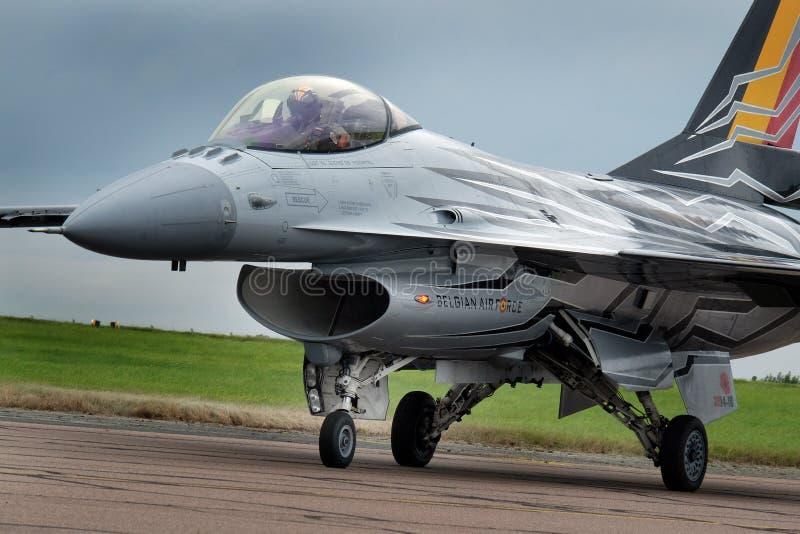 在Scampton飞行表演的洛克西德・马丁F-16战隼2017年9月10日, 林肯郡活跃英国皇家空军基地 免版税图库摄影