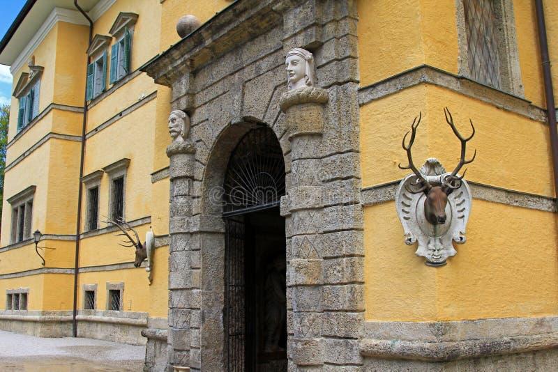 在Schloss Hellbrunn的棘手的喷泉 免版税库存图片
