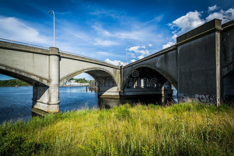 在Seekonk河的桥梁在上帝,罗德岛州 免版税库存图片