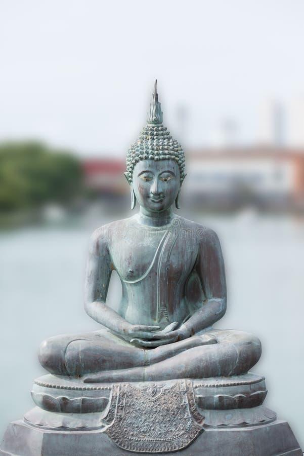 在Seema Malaka寺庙的菩萨雕象在科伦坡,斯里兰卡 免版税库存照片