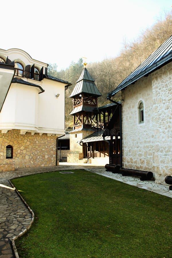 在Sehovici、塞族共和国,波斯尼亚和他附近的Lovnica修道院 库存照片