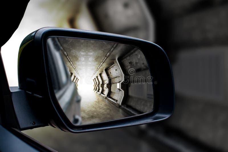 在sideview镜子的隧道 库存照片