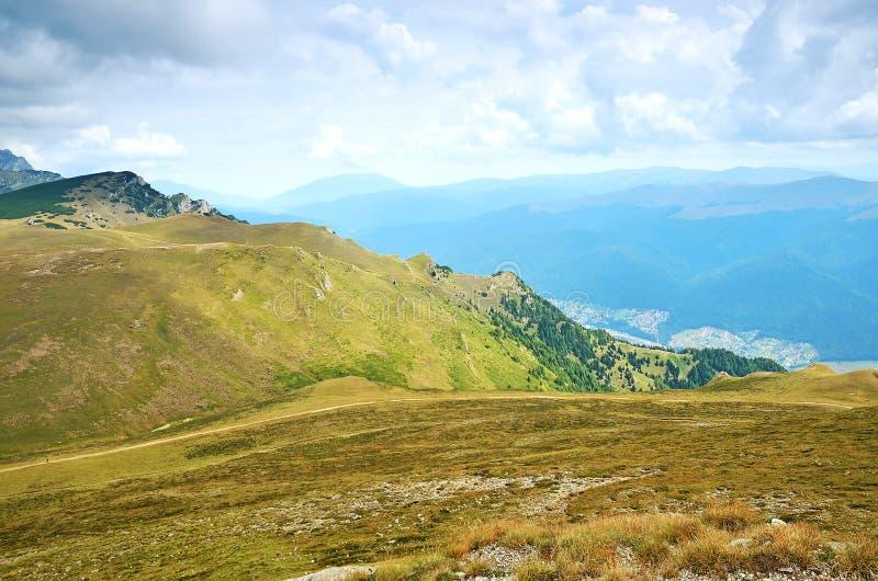 在Sinaia,罗马尼亚的山横向 免版税库存照片