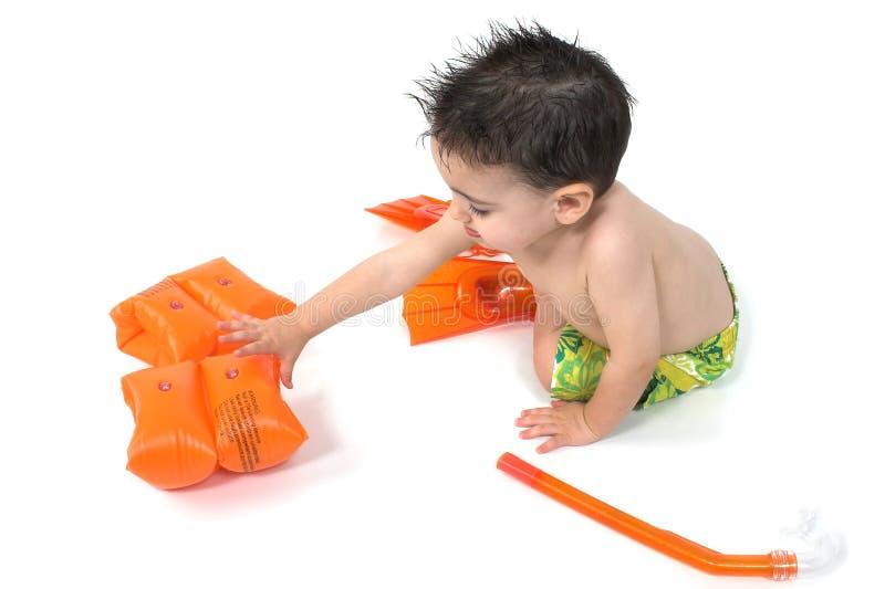 在snorkler白色的男婴 免版税库存照片