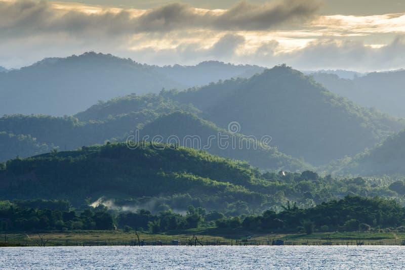 在Srinakarin水坝的水库 库存照片