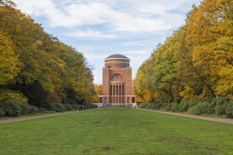 在Stadtpark,汉堡的天文馆塔 免版税库存照片