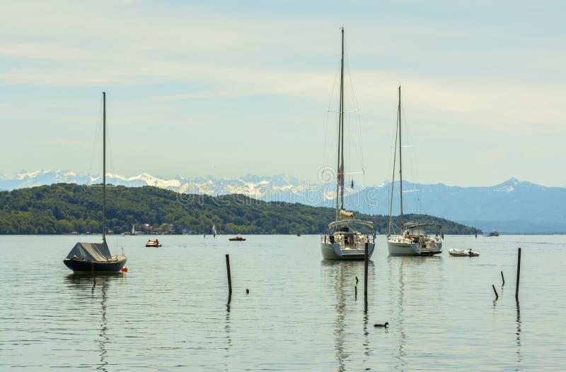 在Starnberger的风船看见,德国 免版税库存图片