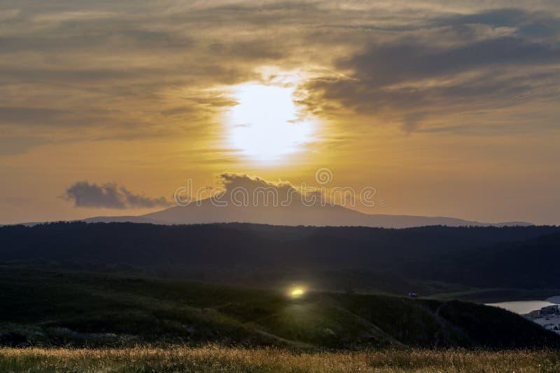 在Strandja山的日落在韦莱卡河的嘴 免版税图库摄影