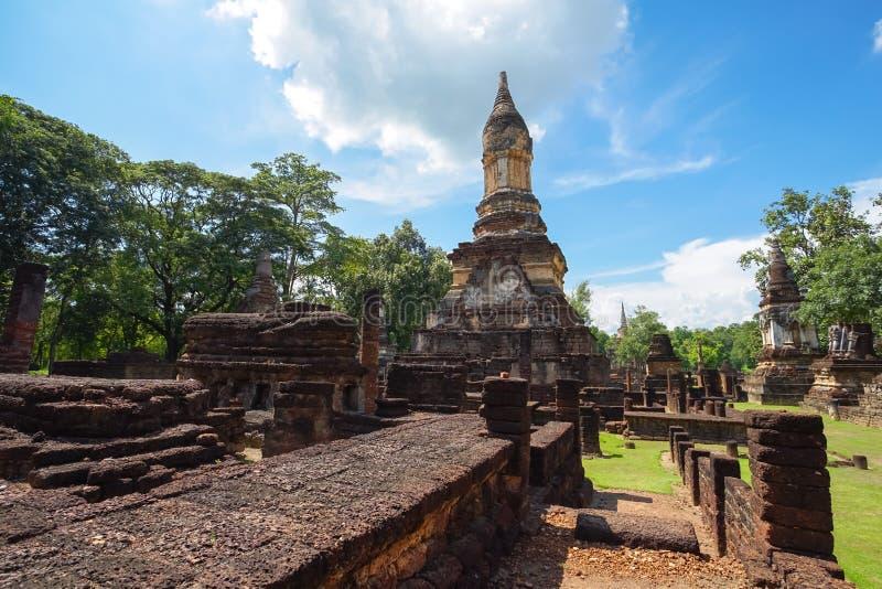 在Sukhothai省,泰国的Wat Jedi Jed Teaw寺庙 库存照片