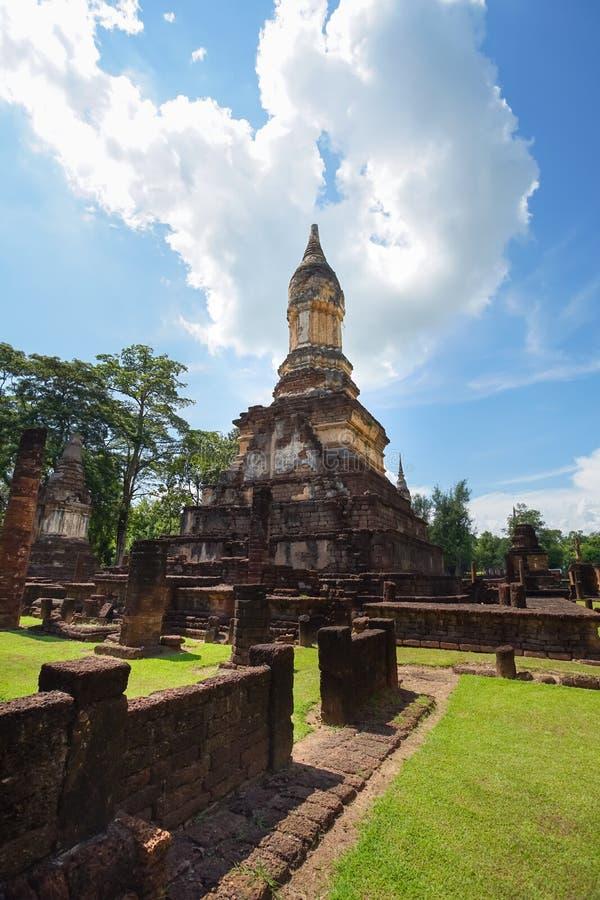 在Sukhothai省,泰国的Wat Jedi Jed Teaw寺庙 免版税库存图片