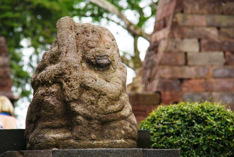 在Sukuh寺庙,中爪哇省,印度尼西亚的雕象 库存照片