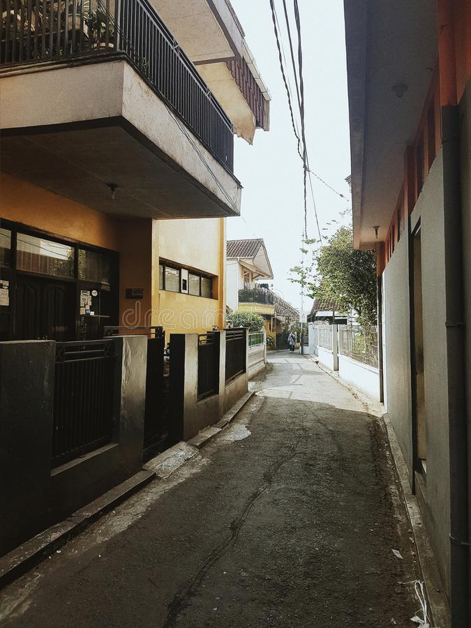 在sumedang郊区附近的一个小胡同 免版税库存图片