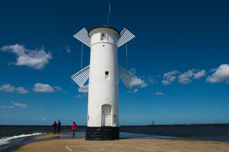 在SwinoujÅ› cie的烽火台 免版税库存图片