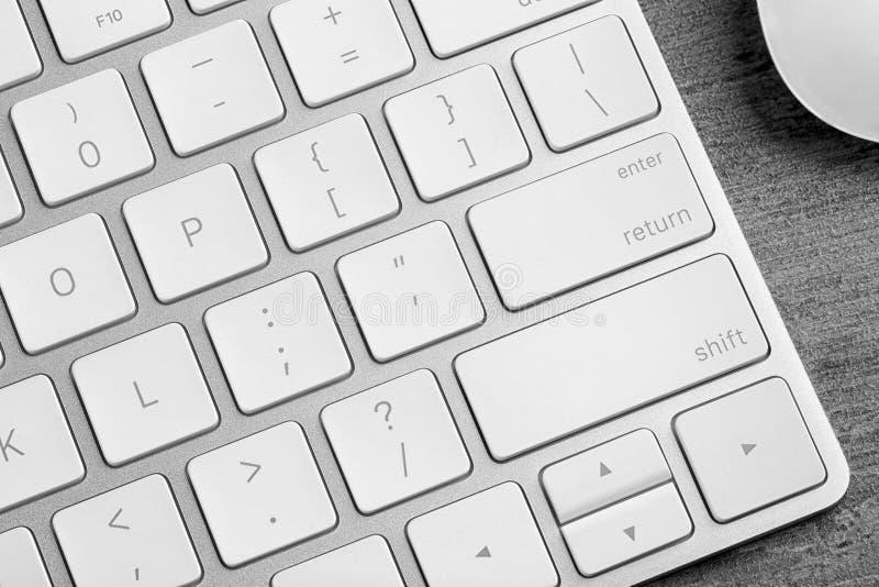 在tabl的现代键盘 免版税库存照片