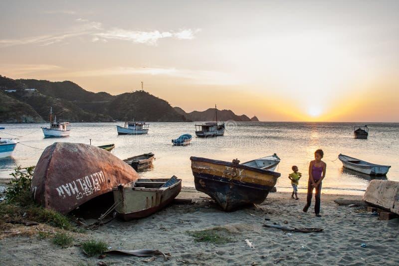 在Taganga海湾的小船 免版税库存图片