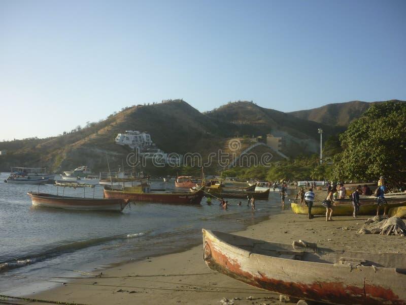 在Taganga海湾的渔船在哥伦比亚 库存照片