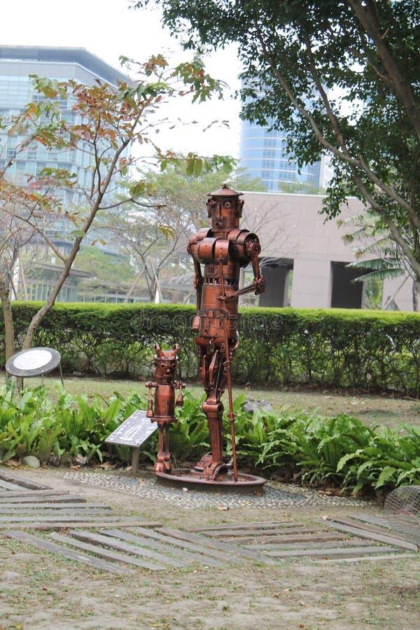 在Taipe市小公园的逗人喜爱的robort 免版税图库摄影