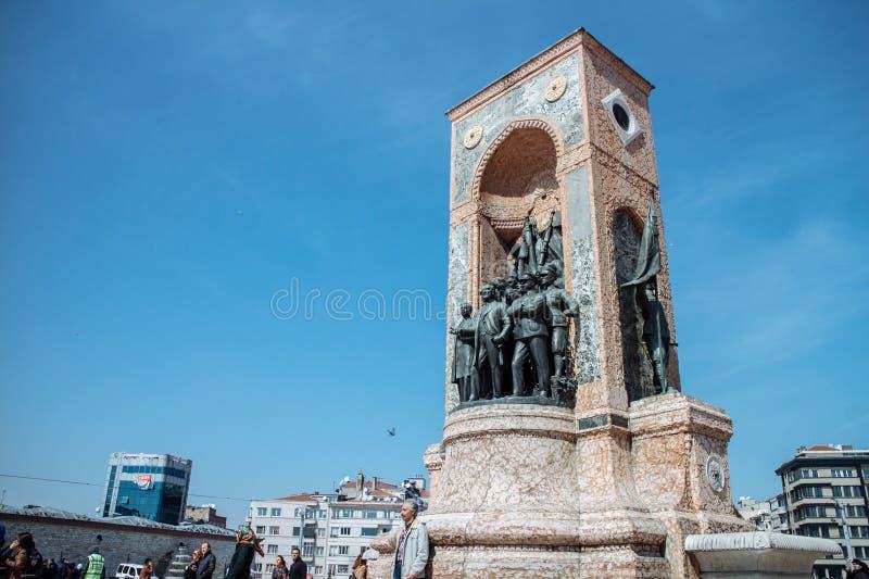 在Taksim quare的共和国纪念碑 库存图片
