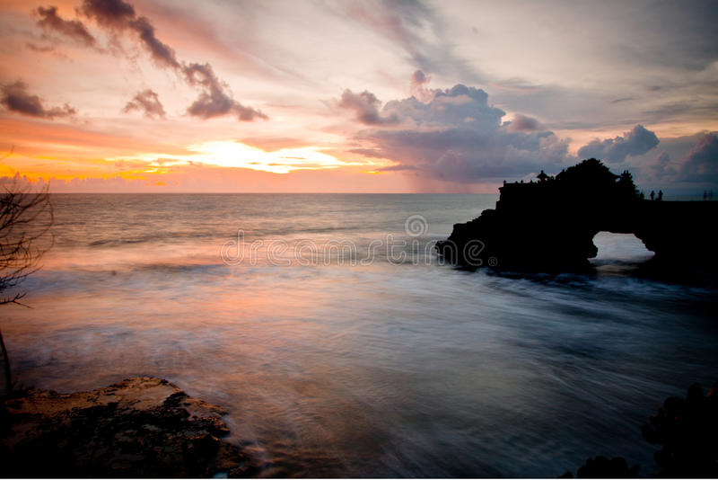 在Tanah全部的美好的日落 库存照片