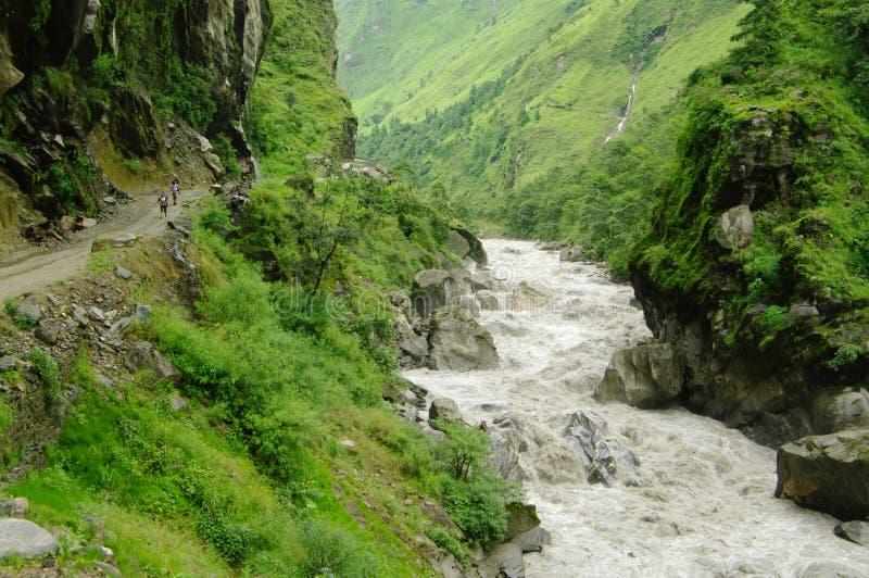 在Tatopani附近的卡利市Gandaki谷 图库摄影