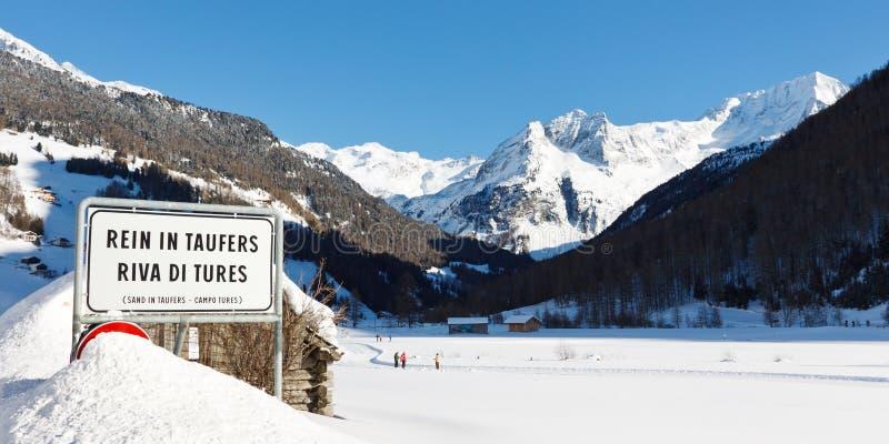 在Taufers和Hochgall山的马勒 免版税库存图片