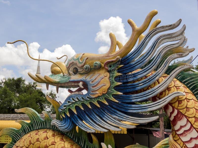 在Tempat Suci kiw Ong Ea寺庙, Trang,泰国/素食中国节日的龙头 免版税库存图片